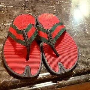 Gucci flip flops red green an black authentic